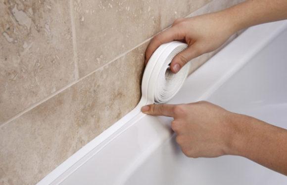 Четыре простых способа как заделать щель между ванной и стеной