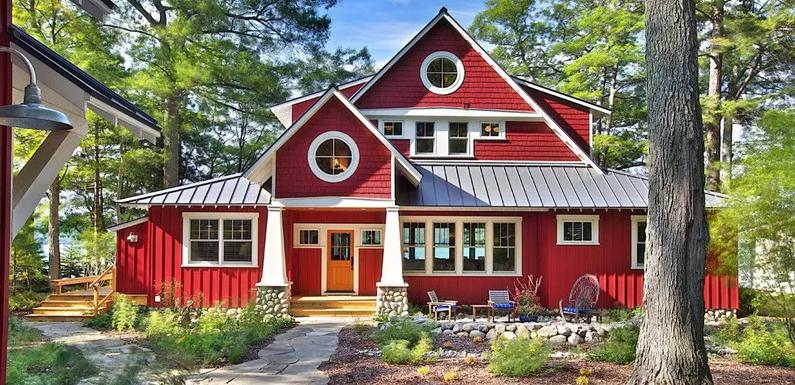 Как и чем покрасить деревянный дом внутри?